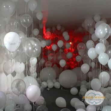 Необычное решение коридор из воздушных шариков